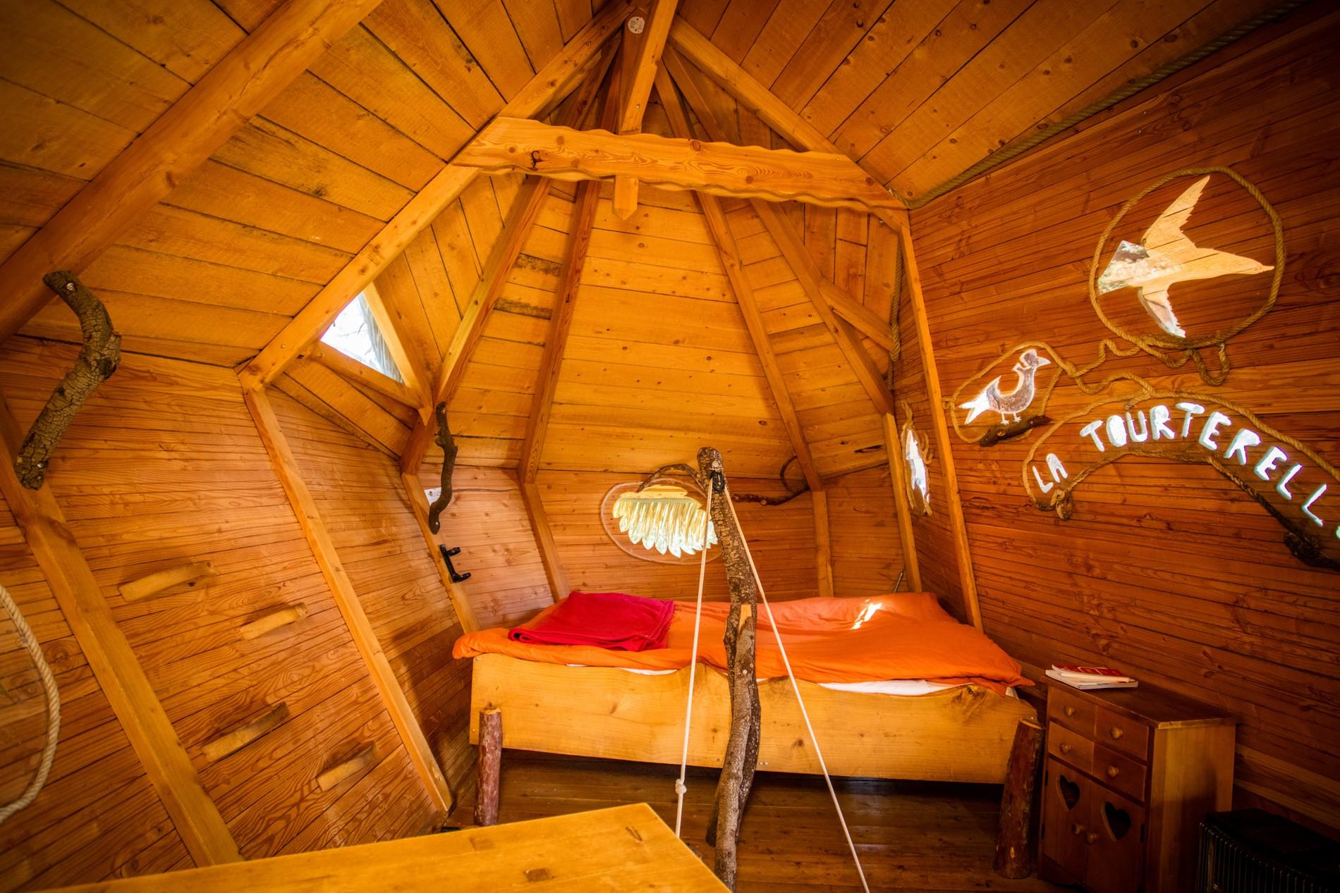 Photo 27 intérieur - cabane dans les arbres - hébergement insolite à Montpellier - Oenotourisme - Domaine saint Jean de l'Arbousier, Castries, Hérault