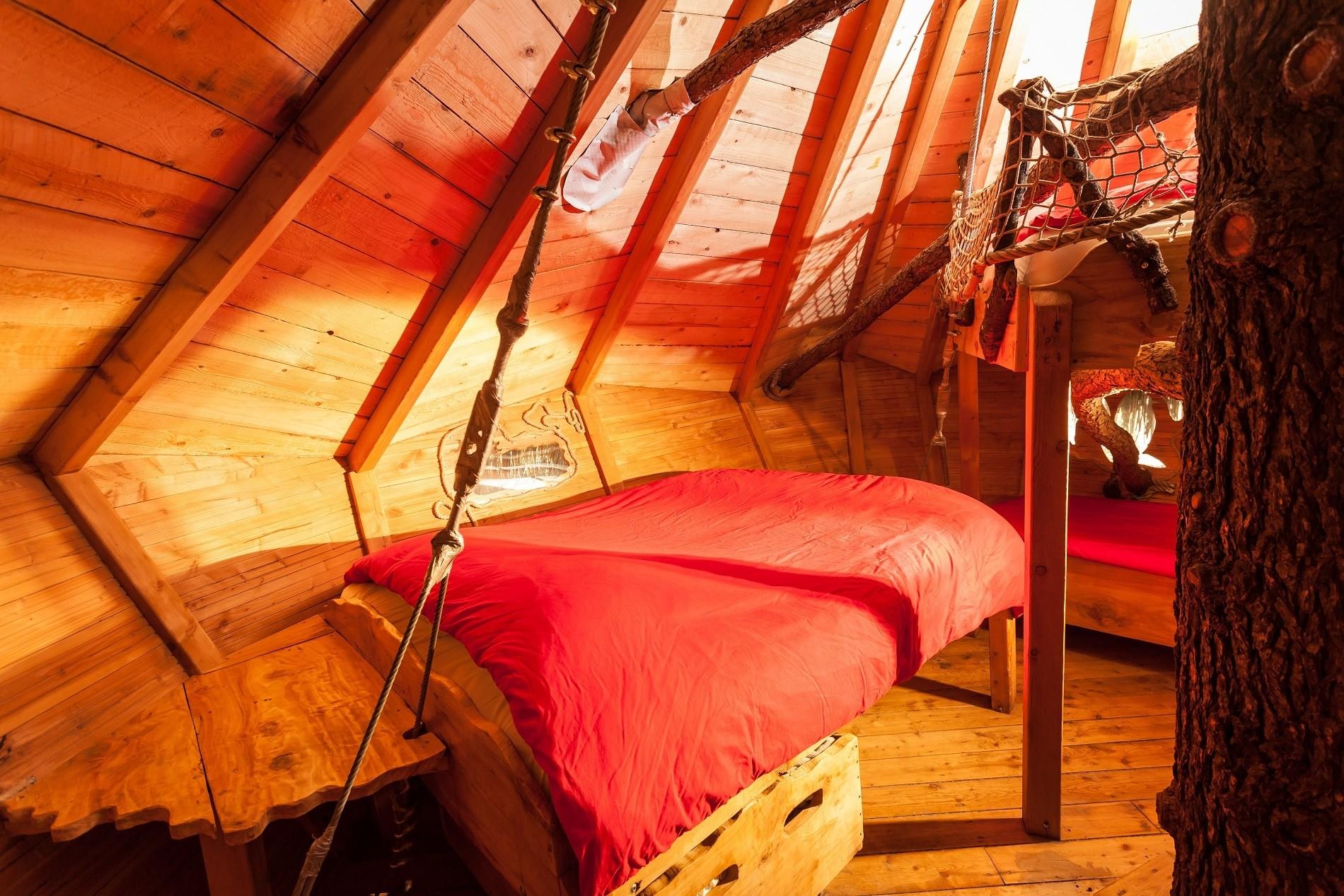Photo 12 intérieur - Cabanes dans les arbres - Crécerelle -hébergement insolite à Montpellier - Tourisme de nature - Domaine saint Jean de l'Arbousier, Castries, Hérault